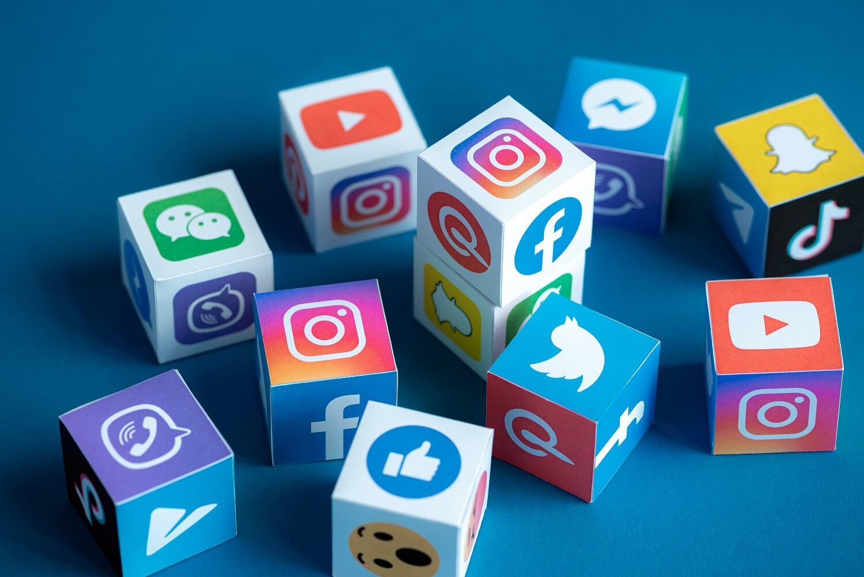 auta-einai-ta-koryfaia-5-social-media-trends-1